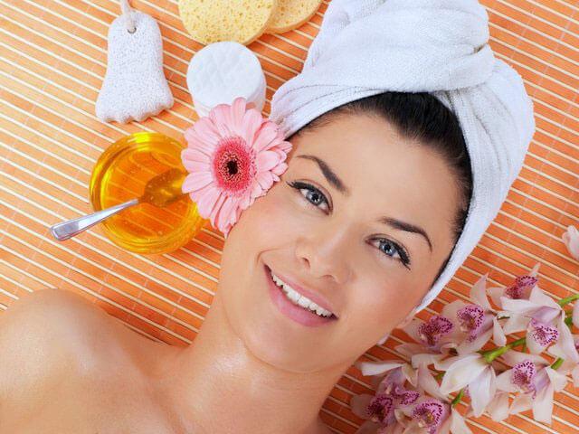Омолаживающие маски с мёдом (5 рецептов красоты)